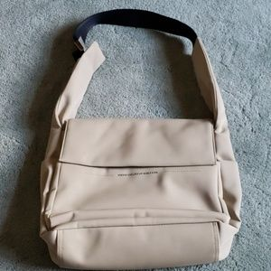 EUC United Colors of Benetton tan handbag